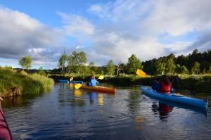 Det er gode muligheter for kano- og kajakkpadling innen Kvikne.